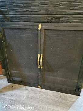 Puerta chimeneas en bronce y hierro