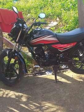 Vendo moto Honda neo no le duele nada papeles al día hace 6 día fueron sacados