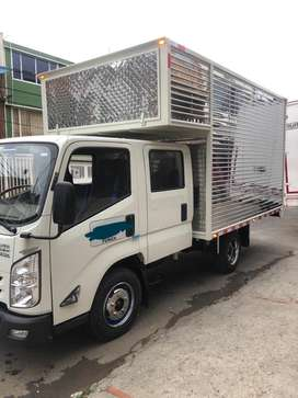 Camioneta doble cabina furgoneta