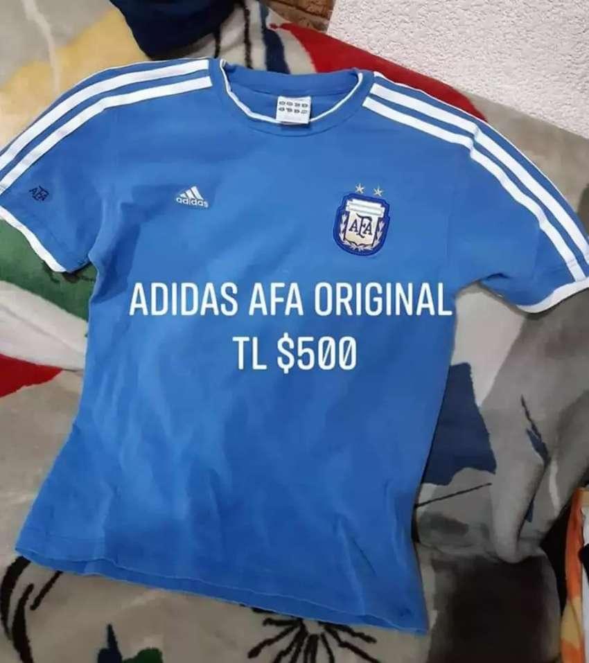 Remeras Afa, Adidas y Le Coq en excelente estado. 0