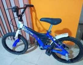 Vendo bicicleta de niño.PERETII