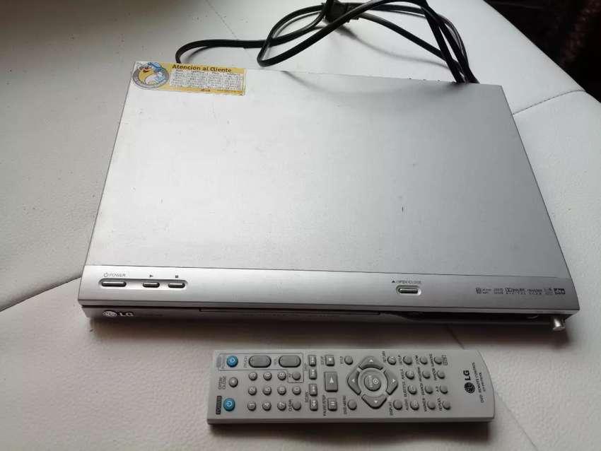 Reproductor de DVD marca LG
