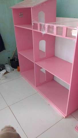 Casa fr muñecas hechas en madeflex 1m .  1m