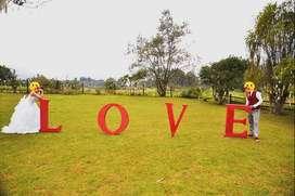 """Aviso """"LOVE"""" gigante"""