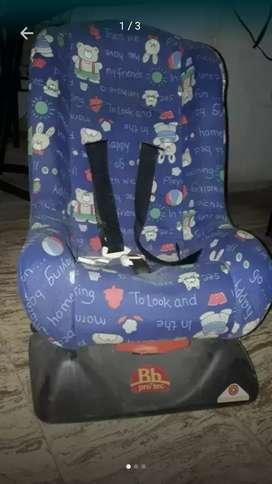 Silla para auto de bebe.