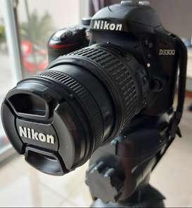 vendo camara nikon D3300 con accesorios