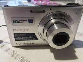 Cámara Sony de 14.1 megapíxeles.