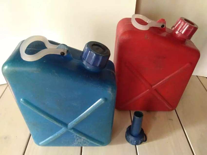 Bidones Antiguos Para Combustible y Agua 0
