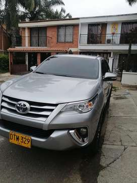 TOYOTA FORTUNER 4x2 modelo 2018 impecable
