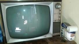 Usado, Antiguo Televisor Embassy 70, ideal para decorar negocios, vidrieras, Bodegón, almacén de Ramos Generales segunda mano  Villa Riachuelo, Capital Federal