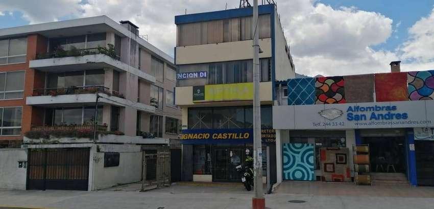 Edificio Excelente Ubicación Avenida Principal 0