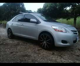 VENDO YARIS EXCELENTE ESTADO