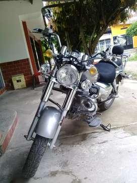 Moto choper UM RENEGADE 200