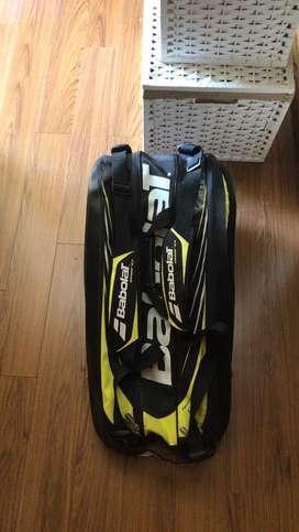 Vendo raquetero babolat para 12 raquetas, 1 mes de uso