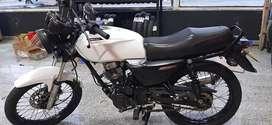 Moto Nkd 125 blanca