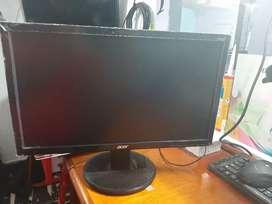 Vendo pantalla Acer 19.5 usada