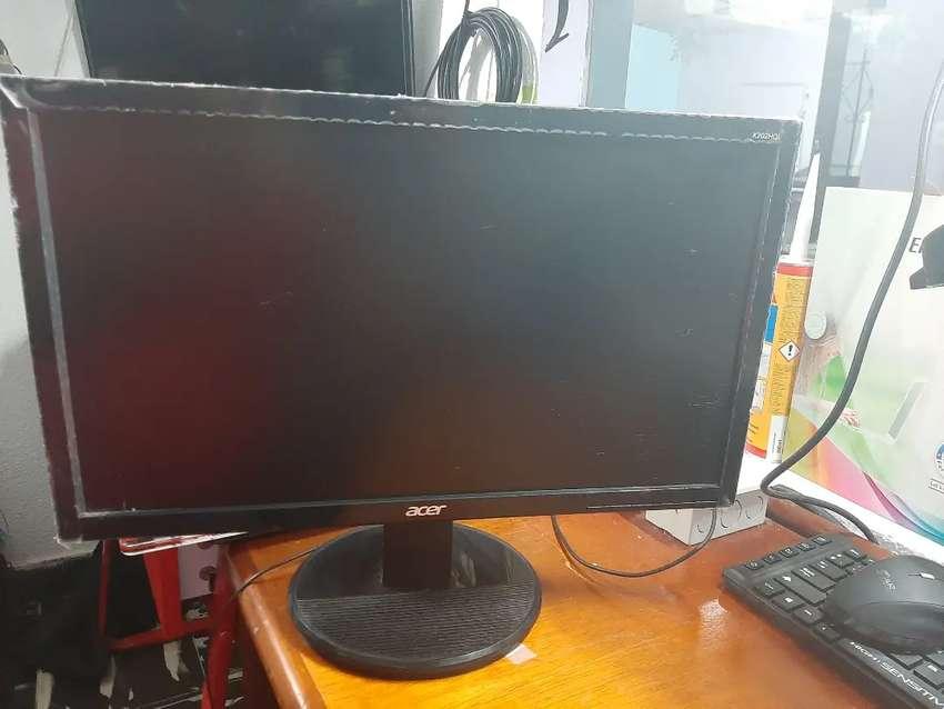 Vendo pantalla Acer 19.5 usada 0