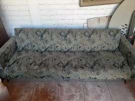Vendo sillón tipo futón Con baulera