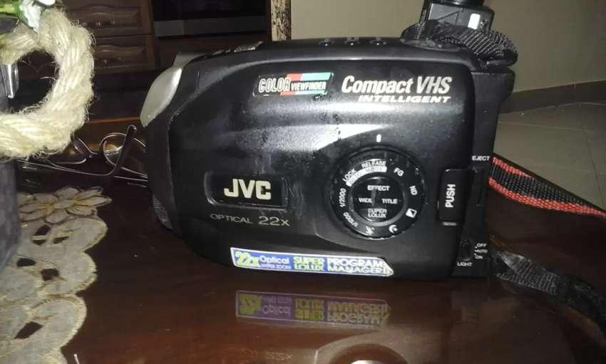 Filmadora JVC optical 22X 0