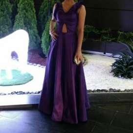 Se Alquila Vestido de Coctel Color Uva