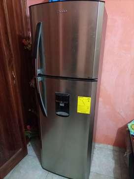 Refrigerador mabe 12 pie ,nueva