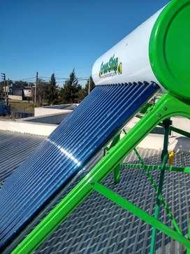 Termotanque solar atmosférico 250L para familias de hasta 6 integrantes.