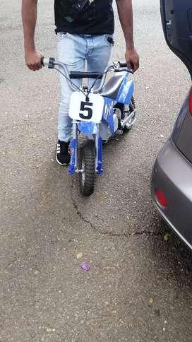 Se vende moto de niño