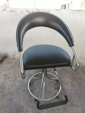Se venden sillas de peluquería