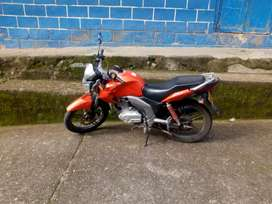 Se vende moto zusuki 150 como nueva