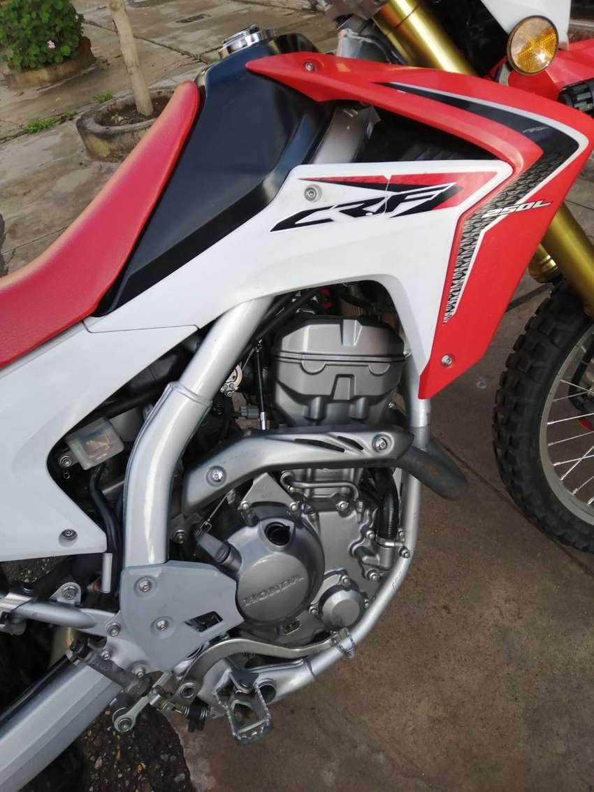 Vendo moto honda crf 250 l 0
