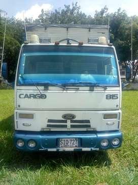 Se vende camión Ford cargo en muy buenas condiciones