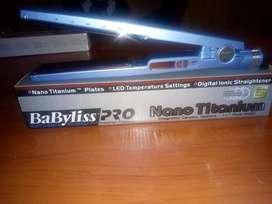 Planchita Babilis y secadores profesionales nuevos