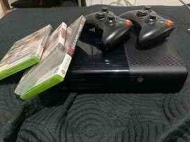 Xbox 360 con controles
