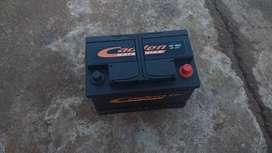 Liquido bateria de 90 amper impecable garantisada tomo la vieja en parte de pago llevo adomcilio