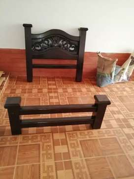 Se vende cama de un metro, con mesa de noche