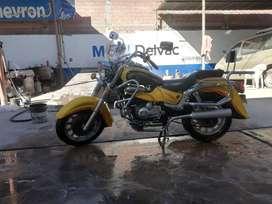 Vendo moto marca Arly 350 de paseo amplia