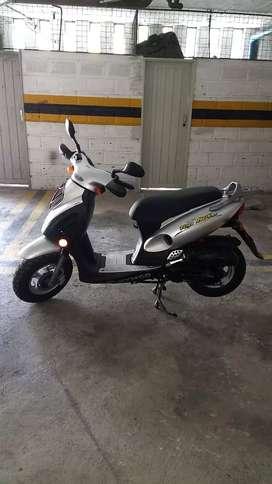 Se vende moto Top Boy 100