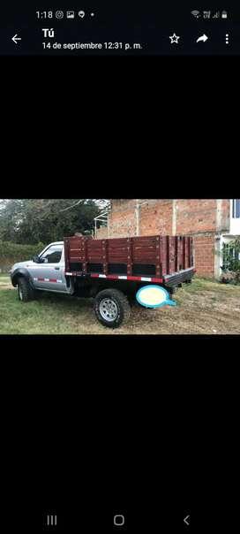 Camioneta de estacas 4 x 4