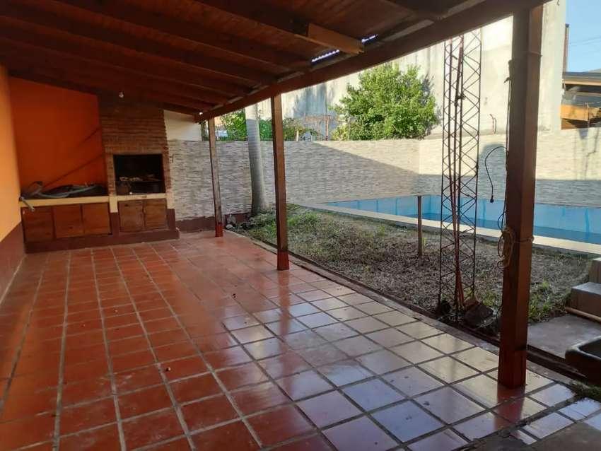 Casa en alquiler , zona Lopez torres y Bouchardo 0