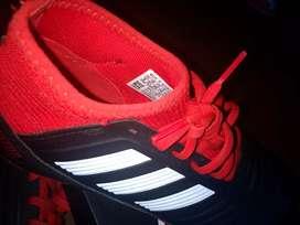 Vendo botines Adidas para césped