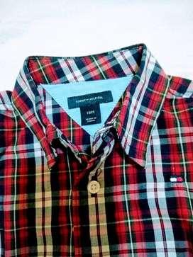 Camisa Tommy Hilfiger NUEVA 18meses m/larga escosesanueva