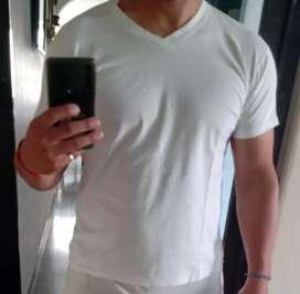 Remera usada talle XL blanca lisa
