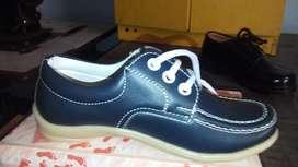 Zapato Colegial en Cuero Azul