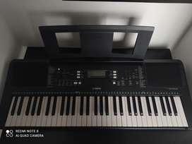 Piano YAMAHA psr-E363 5/8
