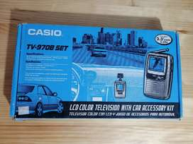 Televisor portátil Casio funciona a corriente y pilas en perfecto estado al mejor precio