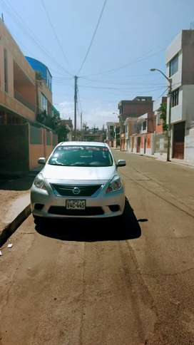 Vendo Nissan versa (único dueño)