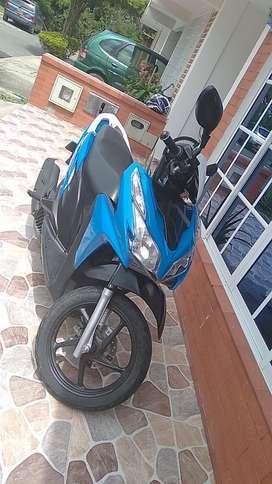 Se vende moto honda click 125