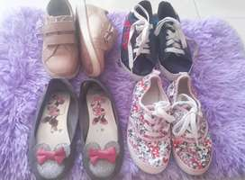 lote de zapatos niña