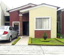Venta de casa Villa Italia - Km. 17 Av. Leon Febres Cordero