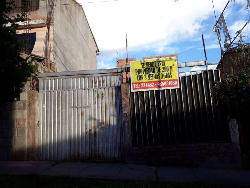 Venta de propiedad de 250 m2 cercado ubicado en calle Belempata B-6 La Urb. Aprovite - San Jerónimo Cusco.- 0